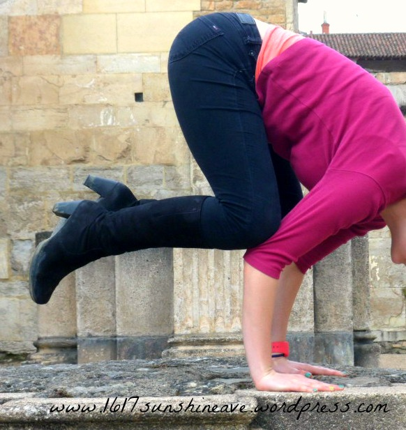 bakasana crow pose yoga cluny france.jpg