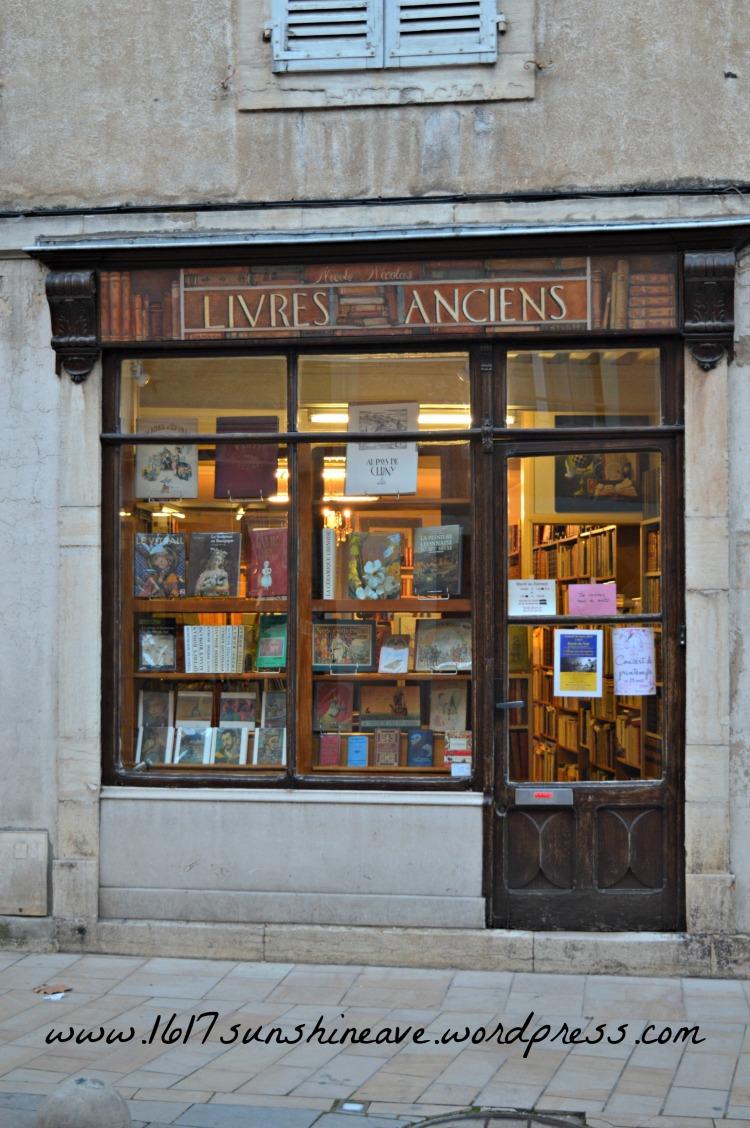 anciens livres book shop cluny france