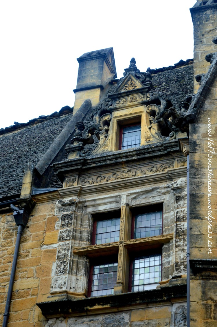 architecture-in-sarlat-france-travel-photography