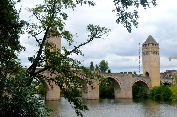 bridge-in-cahors-travel-photography