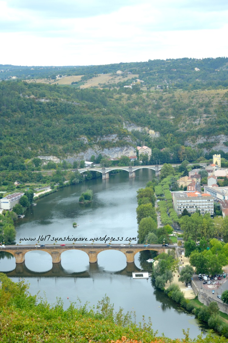 the-bridge-of-cahors-france-view-from-above-travel-photography