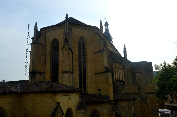 the-cathedral-in-sarlat-la-caneda-france-diary