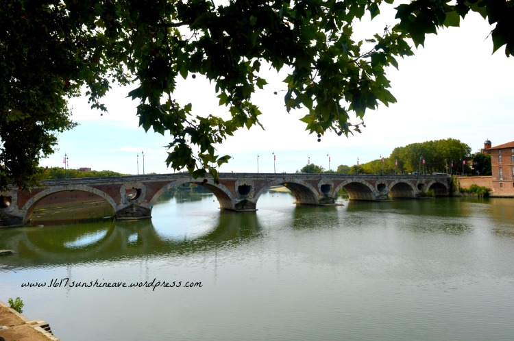 bridge-over-the-garonne-in-toulouse-france