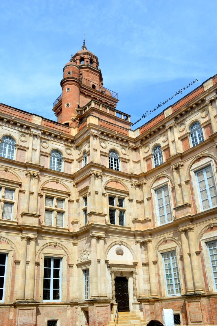 palais of toulouse france.jpg