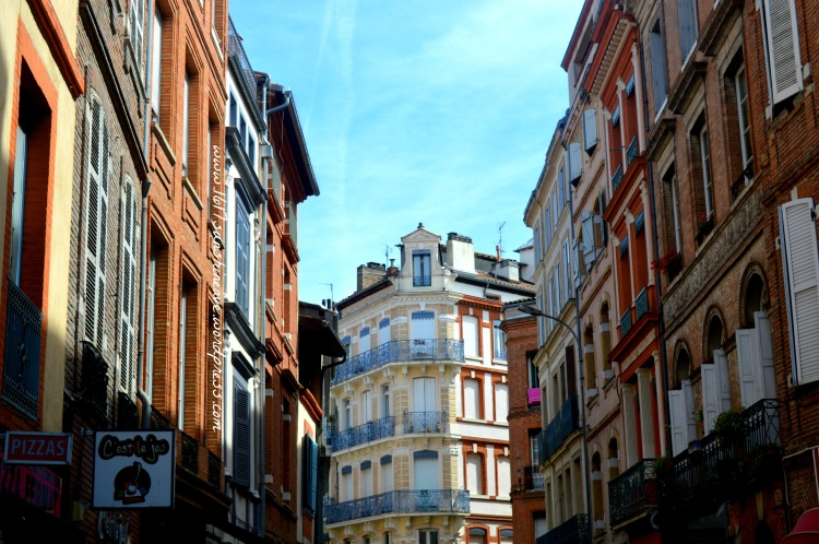 the streets of toulouse the red city .jpg