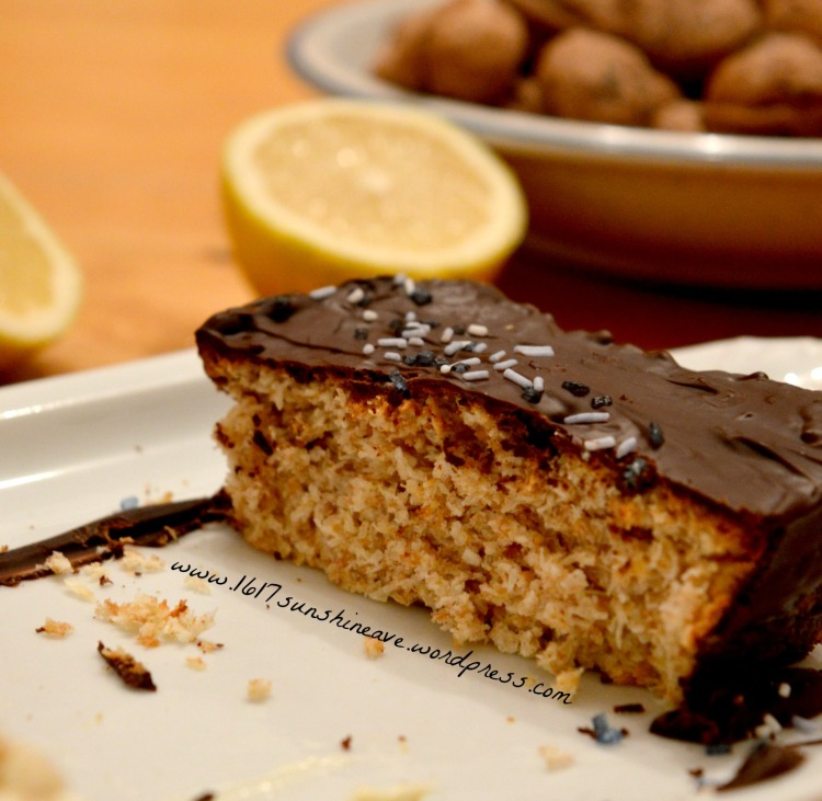 vegan-coconut-lemon-cake-with-chocolate