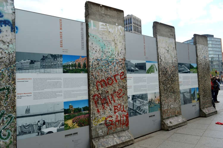 berliner mauer berlin wall history by bike explained